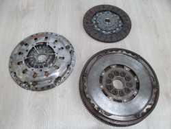 VOLVO S60 V70 S80 2.4 D5 SPRZEGLO KOLO DWUMASOWE 415022010